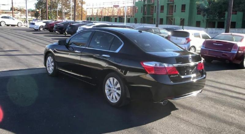 Honda Accord Sedan 2015 price $15,400