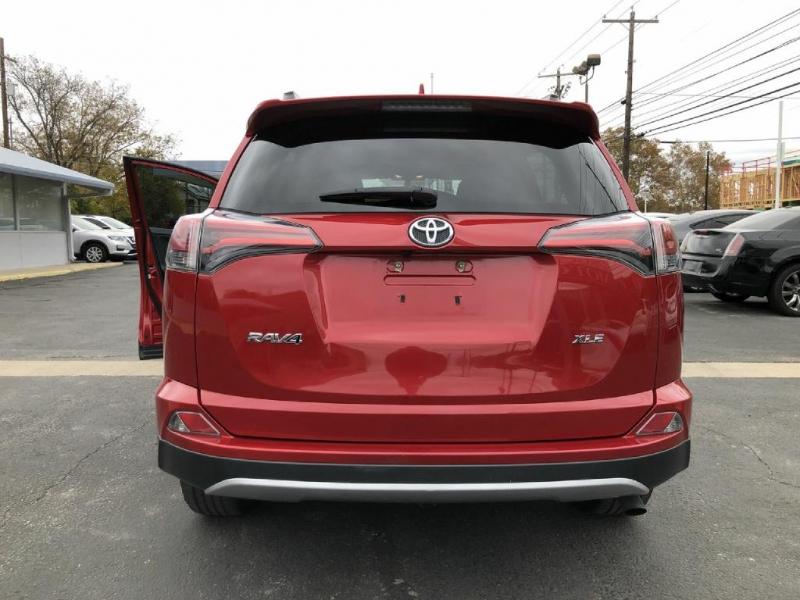 Toyota RAV4 2016 price $15,900