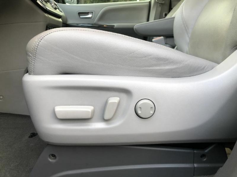 Toyota Sienna 2015 price $20,900