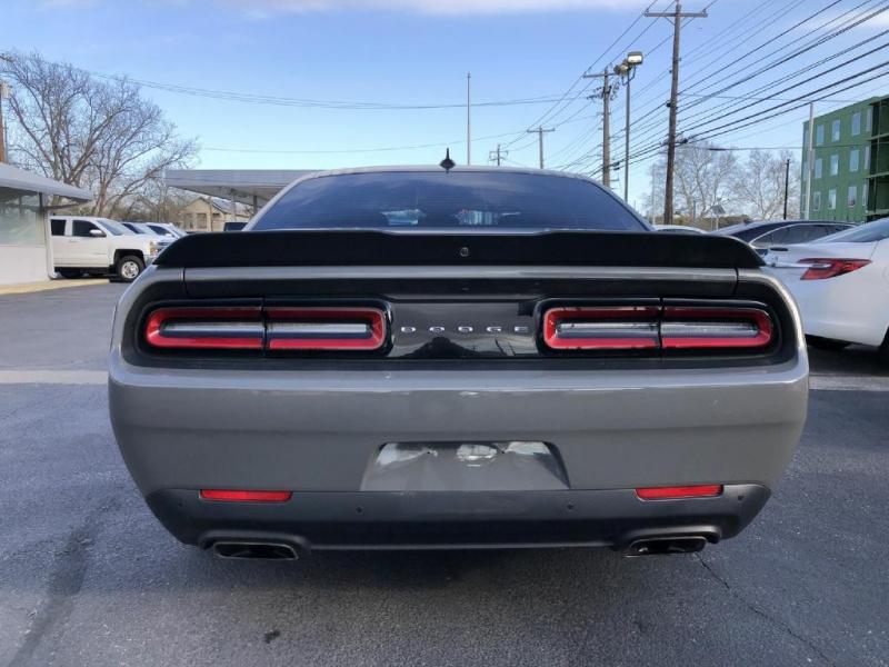 Dodge Challenger 2018 price $33,900