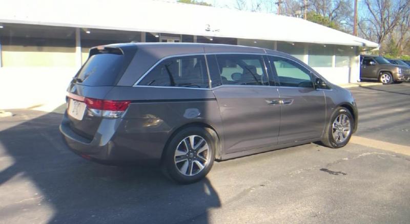 Honda Odyssey 2016 price $21,900