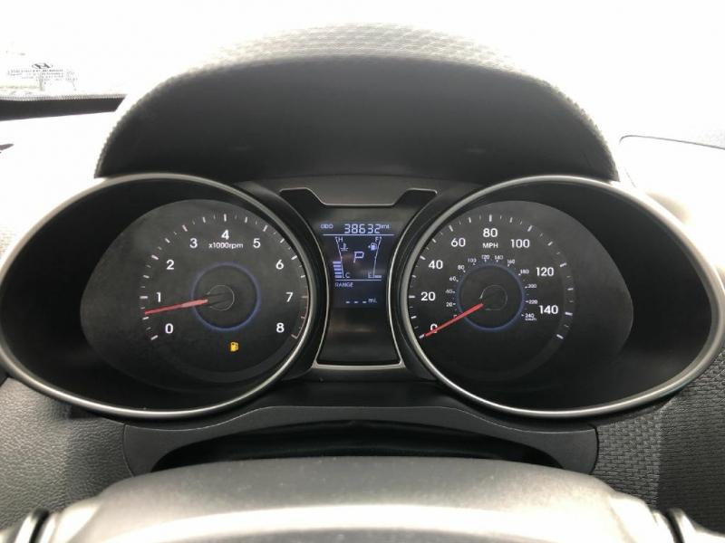 Hyundai Veloster 2015 price $11,900