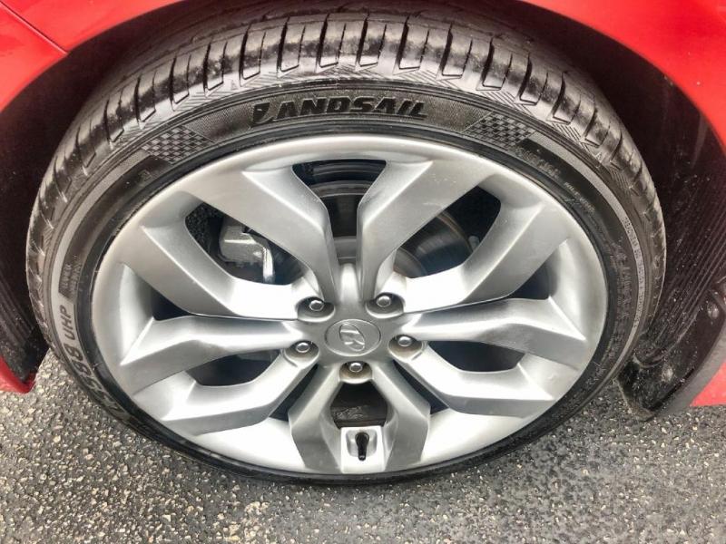 Hyundai Veloster 2013 price $8,900