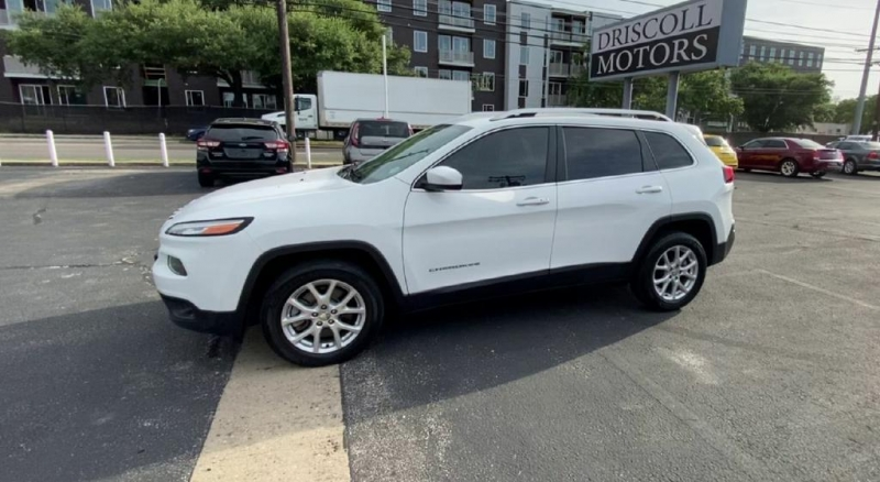 Jeep Cherokee 2017 price $14,200