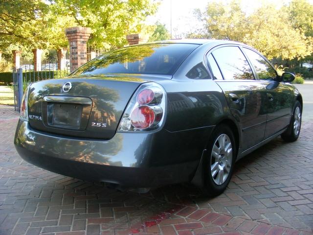 Nissan Altima 2005 price $4,998