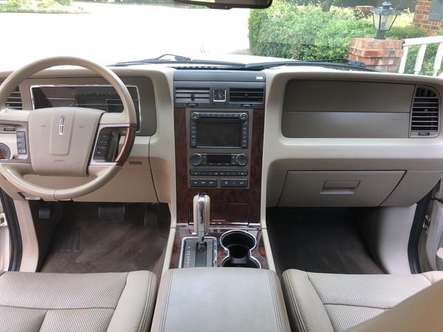 LINCOLN Navigator 2011 price $8,998