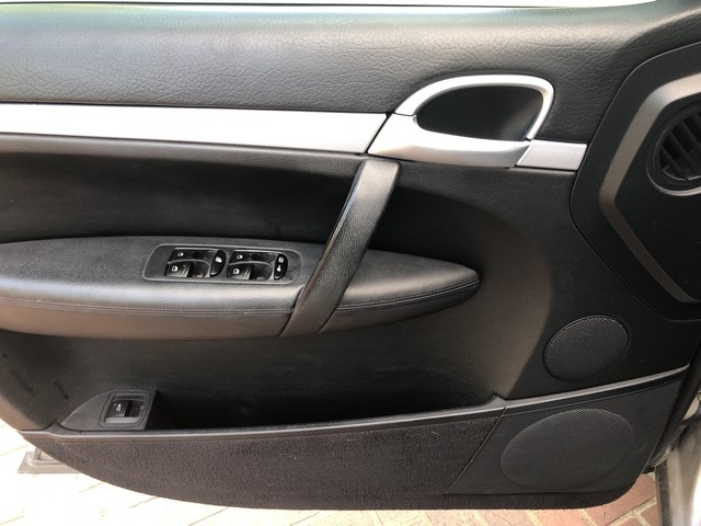 Porsche Cayenne 2008 price $6,998