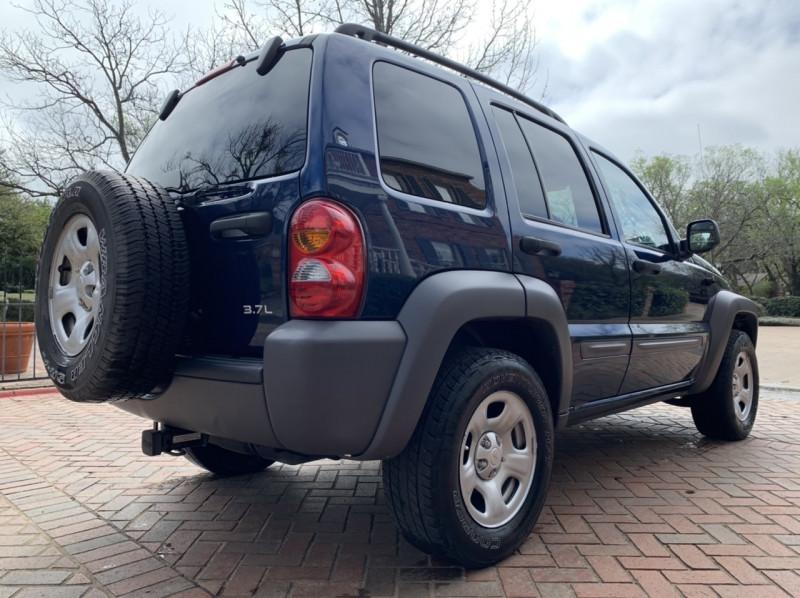 Jeep Liberty 2004 price $5,498