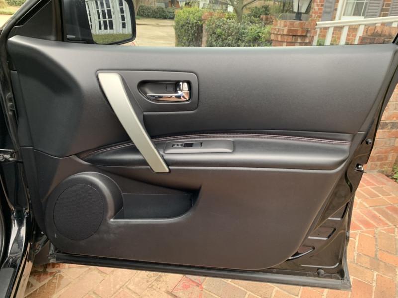 Nissan Rogue 2011 price $6,498