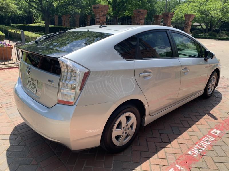 Toyota Prius 2010 price $4,298