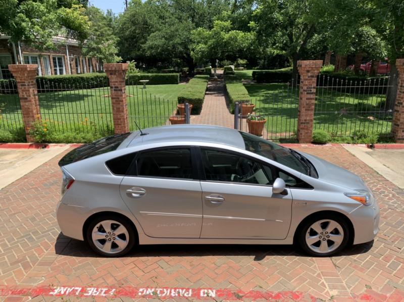 Toyota Prius 2012 price $7,998