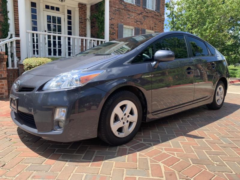 Toyota Prius 2011 price $6,998