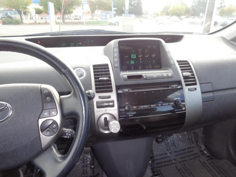 Toyota Prius 2006 price $5,500