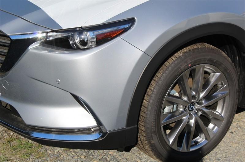 Mazda CX-9 2018 price $38,201