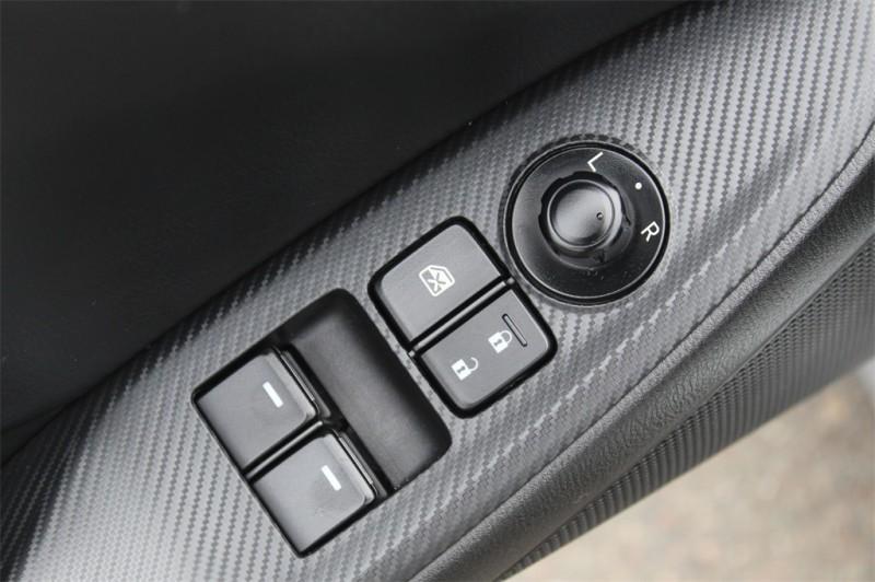 Mazda Miata 2018 price $25,978