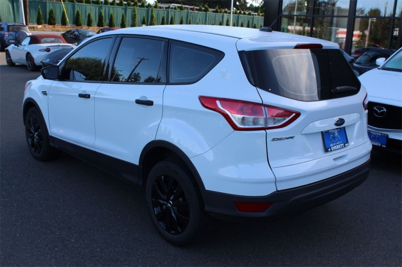 Ford Escape 2016 price $14,245