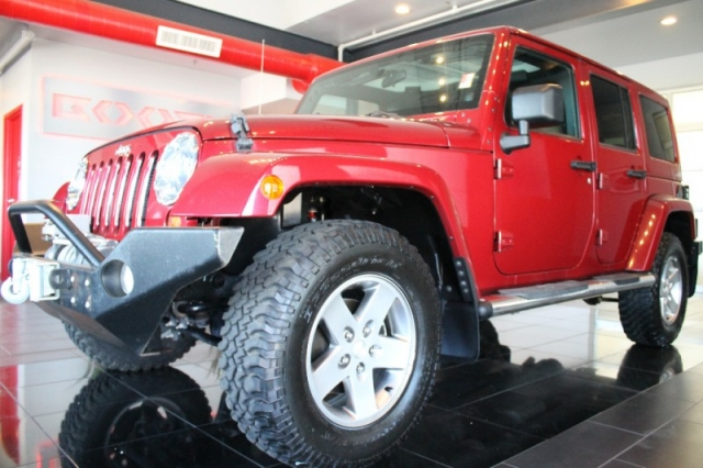 2012 Jeep Wrangler Unlimited Rubicon Loaded!