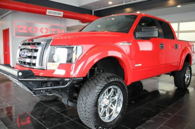 2012 Ford F-150 Crew Cab XLT Lifted!