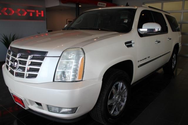 2007 Cadillac Escalade ESV Loaded!