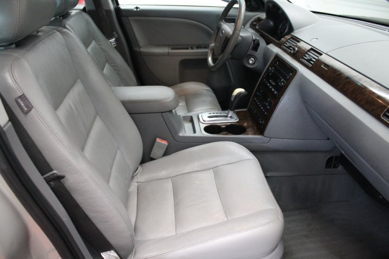 Ford Five Hundred 2006 price $2,995