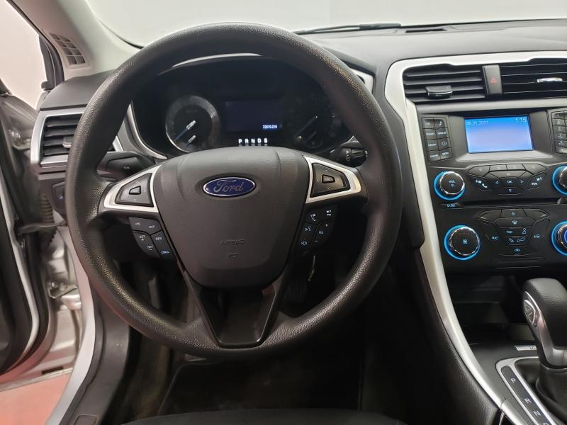 Ford Fusion SE 2013 price $8,995