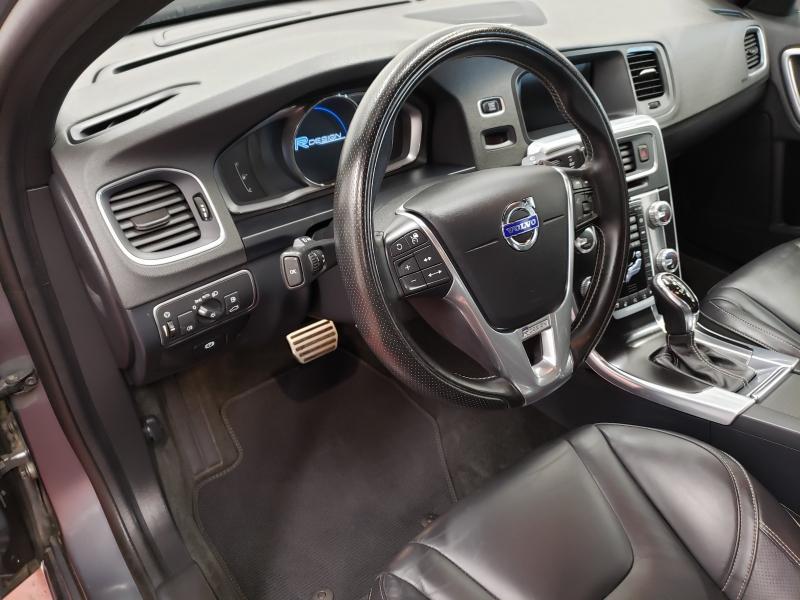 Volvo S60 T6 R-Design Platinum AWD 2016 price $21,995