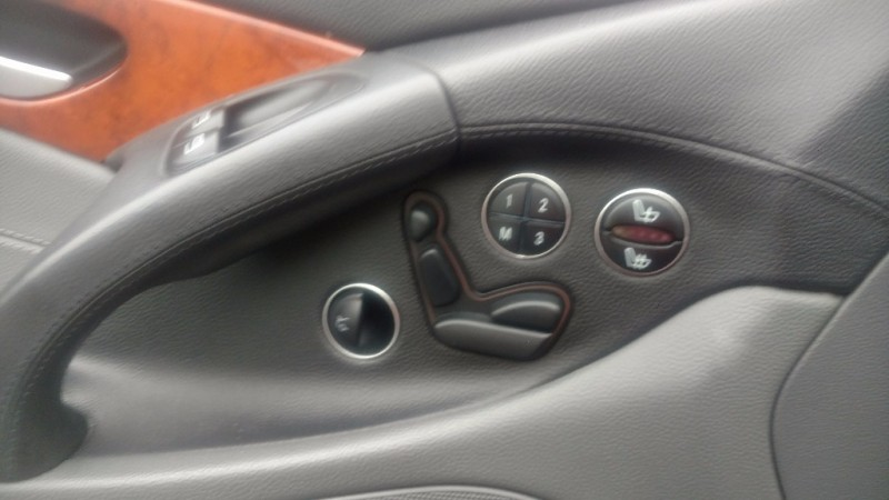 Mercedes-Benz SL-Class 2005 price $16,900