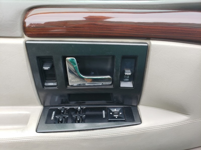Cadillac Seville 1995 price $4,900