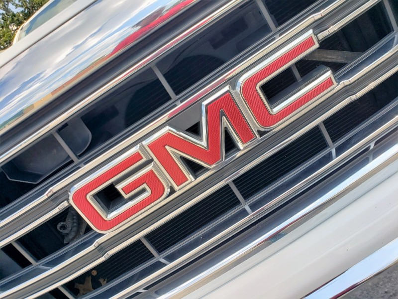 GMC Sierra 1500 2015 price $14,700