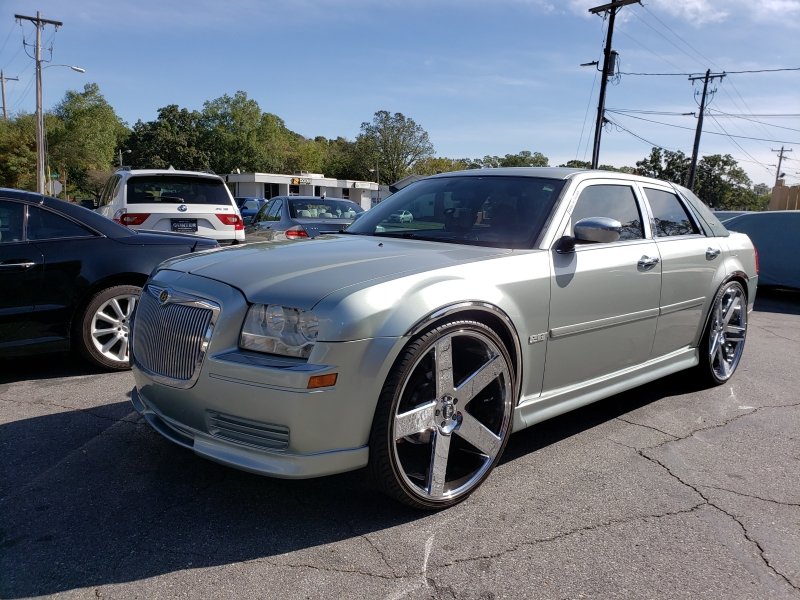 Chrysler 300 2005 price $19,700
