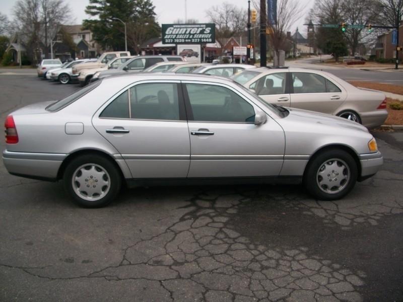 Mercedes-Benz C-Class 1997 price $2,900