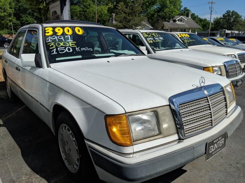 Mercedes-Benz 300-Class 1991 price $3,900