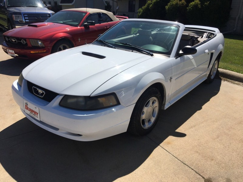 FORD MUSTANG 2001 price $4,995
