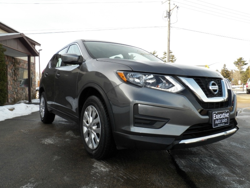 Nissan Rogue 2017 price $16,490