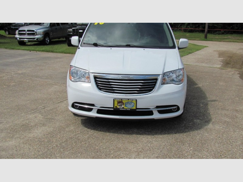 CHRYSLER TOWN & COUNTRY 2016 price $16,500