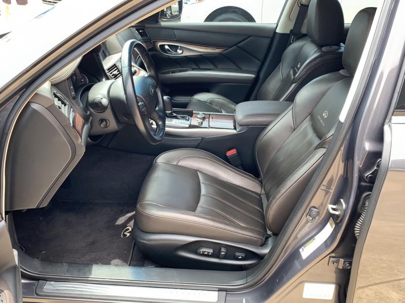 INFINITI M37 2011 price $16,900