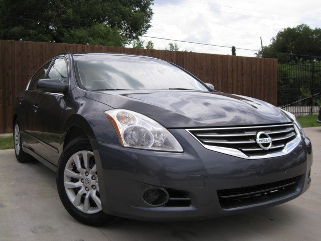 Nissan Altima 2012 price $4,995 Cash