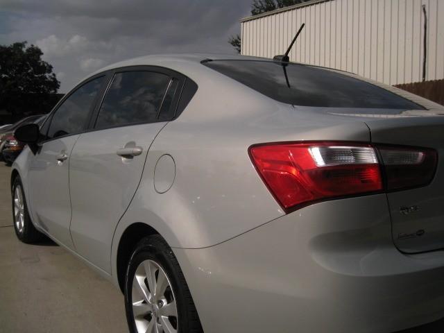 Kia Rio 2012 price $4,995 Cash