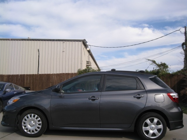 Toyota Matrix 2010 price $4,995 Cash