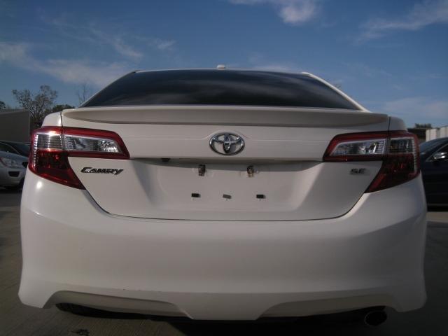 Toyota Camry 2014 price $9,695 Cash