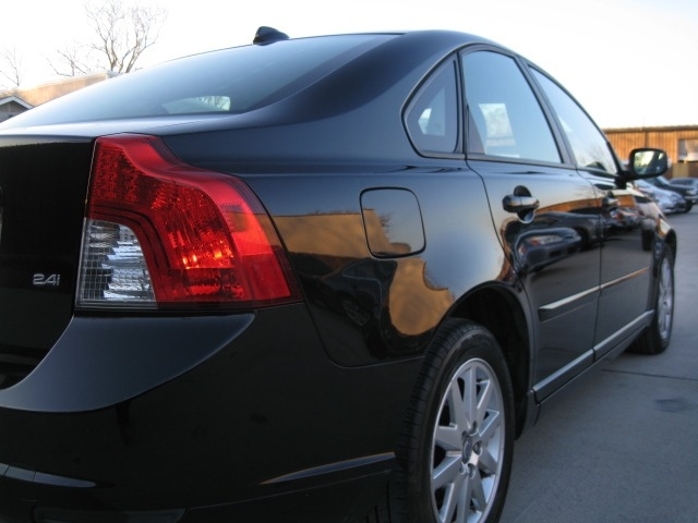 Volvo S40 2008 price $3,995 Cash