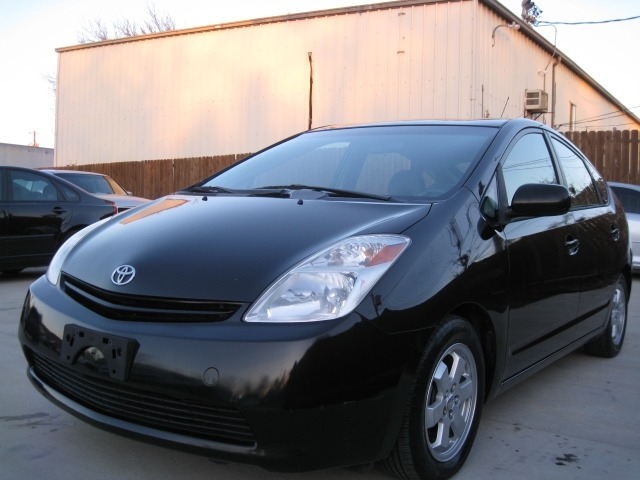 Toyota Prius 2005 price $4,695 Cash