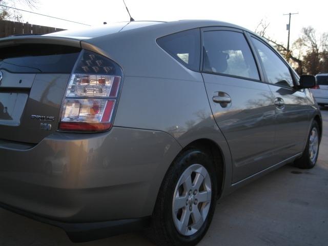 Toyota Prius 2005 price $4,995 Cash