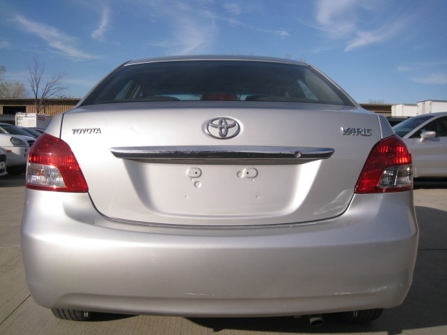 Toyota Yaris 2010 price $4,695 Cash