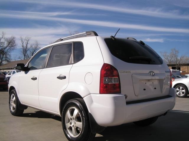 Hyundai Tucson 2007 price $3,995 Cash