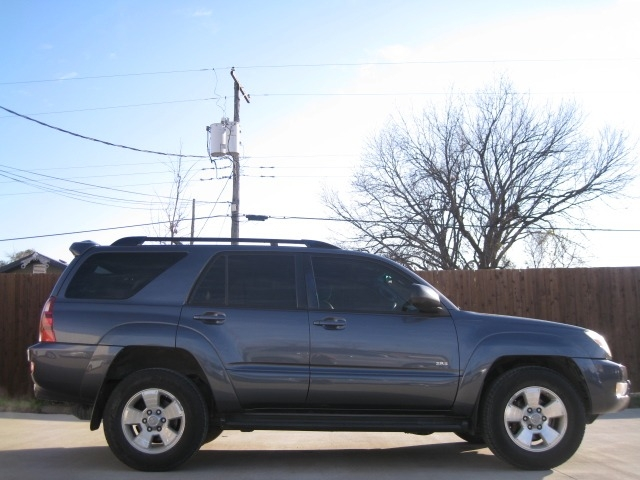 Toyota 4Runner 2005 price $5,995 Cash