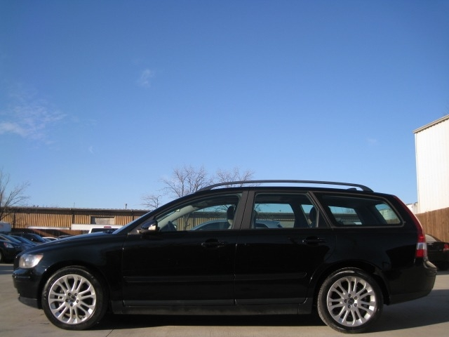 Volvo V50 2006 price $4,295 Cash