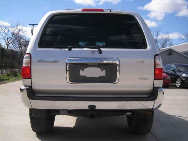 Toyota 4Runner 2002 price $5,995 Cash