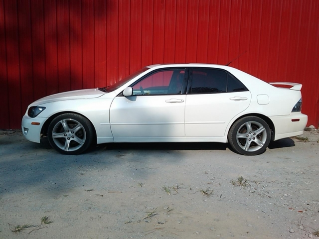 2001 Lexus IS