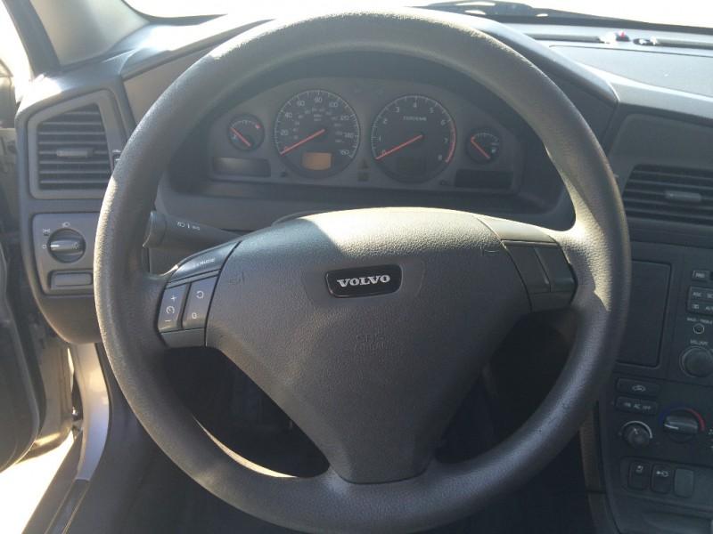 Volvo S60 2001 price $3,900